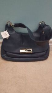 Coach leather purse.brand new w tags