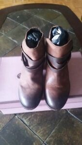 H By Hudson Womens Horrigan Boots Tan Sz 5M-Store display