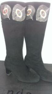 SIZE 5.5 to 6  LE SAUNDA Designer Peacock Knee High Boots