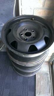 3 x 2005 VW Transporter 17 inch Rims (they also fit other cars)