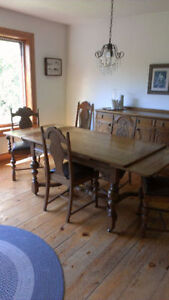 ****QUICK SALE**** - 1925 REITZELS ANTIQUE TABLE & CHAIRS