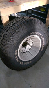 Mickey Thompson Baha belted Hp 33 x 12.50 x 15Lt Brand new