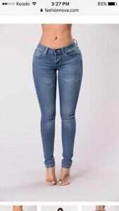 NEW FASHION NOVA SKINNY JEANS SIZE 7-9