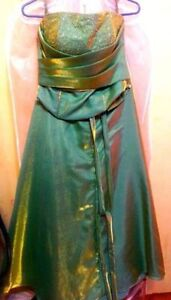 GREEN GOWN - formal/prom/evening wear