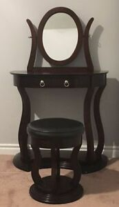 Vanity/Dressing Table for Sale!