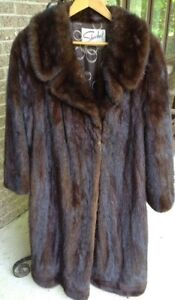 Dark Mink coat / Manteau de Vison