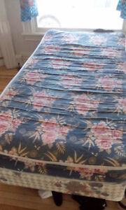 Single bed - mattress, boxspring, and frame
