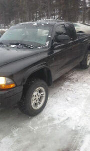 2000 Dodge Dakota 1100$ peu nego.