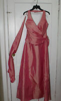 New Never Worn Romantic Bridal Collection Coral Full Dress M