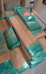 250 sqr ft of laminate for sale