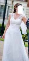 Beautiful A Line Lace Wedding dress for SALE!