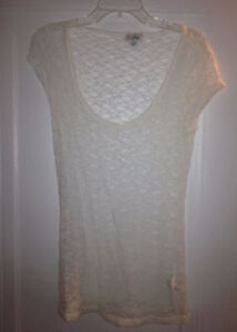 Guess Lace Top, Size L Windsor Region Ontario image 1