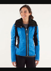 Size 12 lululemon bundle up jacket shiny blue Size 12.