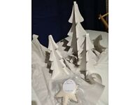 Ru & co wooden Christmas trees and star