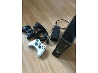 Xbox 360, 44 games, 2 wireless controllers