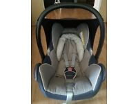 Maxi Cosi Car Seat with FamilyFix base