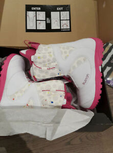 New Burton snowboard boots in boxes sizes 8 and 9, 2 colours