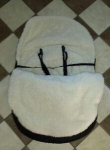 Housse NEUVE pour poussette bébé et siège auto