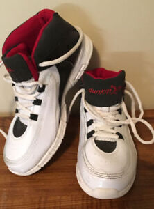 Dunkman youth size 4 basketball shoes