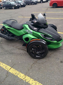 Can am spyder rss 2013 comme neuf