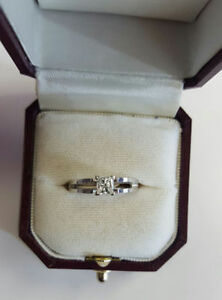 BRAND NEW! Princess Cut Diamond Engagement Ring