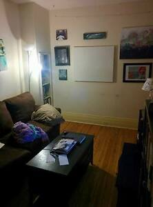 Nice 1 Bed unit on King St