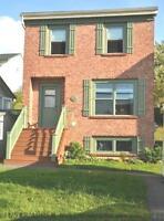 14-129 Lovely 3 Level Home, Lr Sackville.