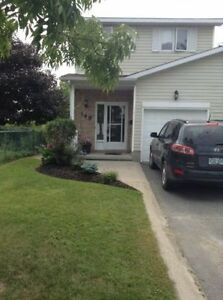 Room for rent in Amherstview home - parking available Kingston Kingston Area image 4