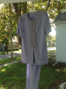 Ladies pant suit