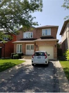 Oakville 3BR 3WR House for Lease!