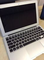 "Macbook Air 13"" ; 1.8Ghz Intel i5 + 4GB & 128GB [ 2013 ]"