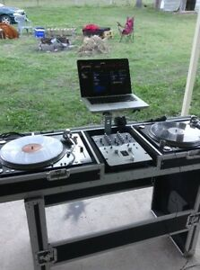 DJ turntables and road case Beenleigh Logan Area Preview
