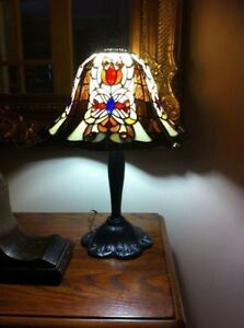 Tiffany Antique Leaded Glass Lamp Signed Dale Tiffany!