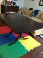 Antique Duncan Phyfe drop side dining table with expansion leaf