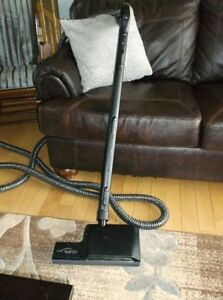 Central Vacuum Hose & Deluxe Rug Attachment