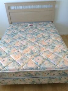 Mattress and boxpring, Queen size