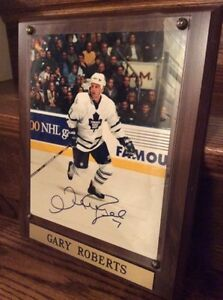 (framed) Gary Roberts Autographed Picture - Legends of the Game