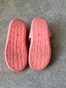Almost New Water Shoes Size 11 Kawartha Lakes Peterborough Area image 2
