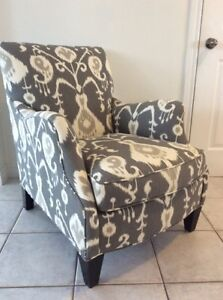 SAM MOORE Aunt Jane chair and 2 down filled down cushions