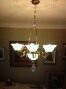 2 CHANDELIERS *** NEW VERY LOW PRICE *** OPEN TO OFFERS !!!