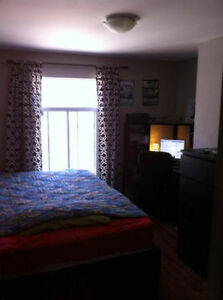 Nice room in a fully furnished 4 1/2 in the village - July