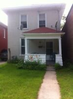 OPEN HOUSE AUG 2nd 2-4pm RENT Downtown! 3bd 2bth! STUDENTS!