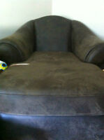 "SOFA: SINGLE SEATER--GREAT CONDITION (COUCH) ""Taurus"" Chaise"