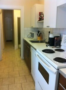 Location, Location, Location - 3 beds near uOttawa w/Laundry!
