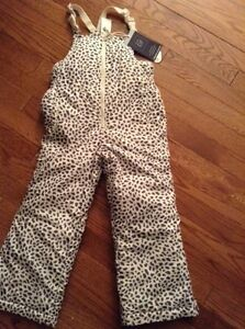 Gap snow pants 5t brand new with tags