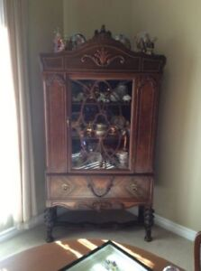 WALNUT DISPLAY CABINET Late 1800 ' S - Early 1900 ' S