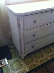Vintage console beautiful dove tail carpentry low $$ 4 value London Ontario image 3