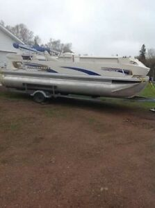 Princecraft Pontoon boat with 4 stroke motor and trailer inc.