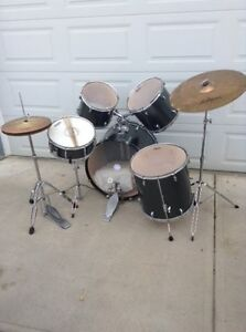 Pearl Drum Kit - Priced For Quick Sale