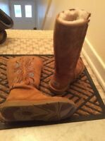 Authentique bottes UGGS taille 7